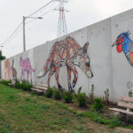 Fresque d'une poule, d'un renard et d'une panthère