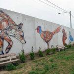 Fresque d'un renard, une poule, un écureuil et un canard
