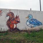 Fresque d'un écureuil et d'un canard