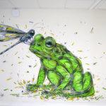 Fresque d'une grenouille avec une libellule